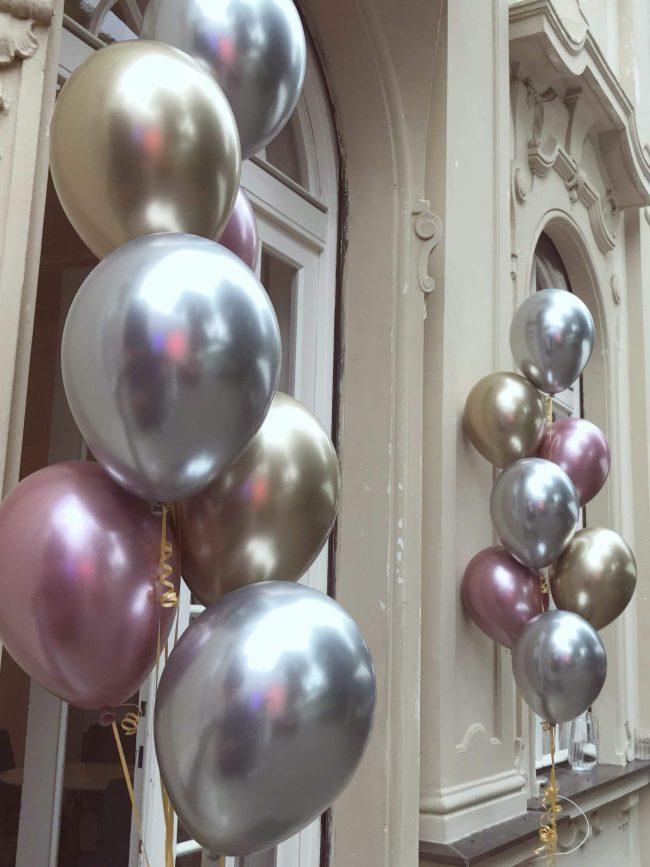 Trsy balónků s héliem - chrom balónky zlatá, růžová a stříbrná