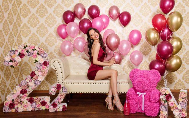Trsy balónků s héliem - balónková stěna z héliových balónků - fotokoutek z balónků na oslavy narozenin