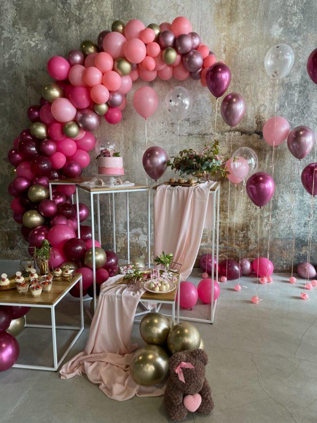 Organická balónková girlanda s chrom balónky - narozeninová oslava