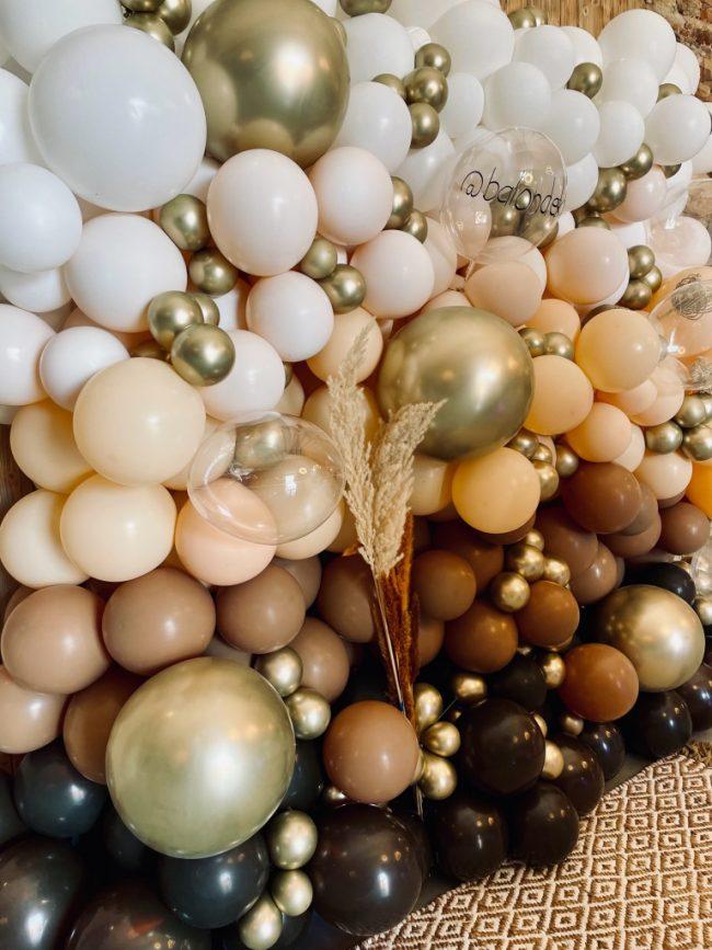 Balónková stěna s chrom balónky_super fotokoutek firemní akce